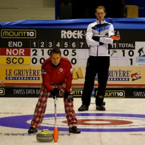 Ulsrud overpowers Smith - picture: Richard Gray/WCF
